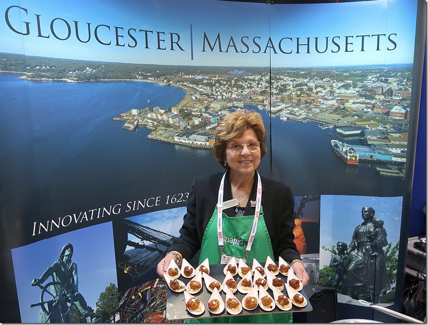 Rosalee Nicastro with fishcakes__1024
