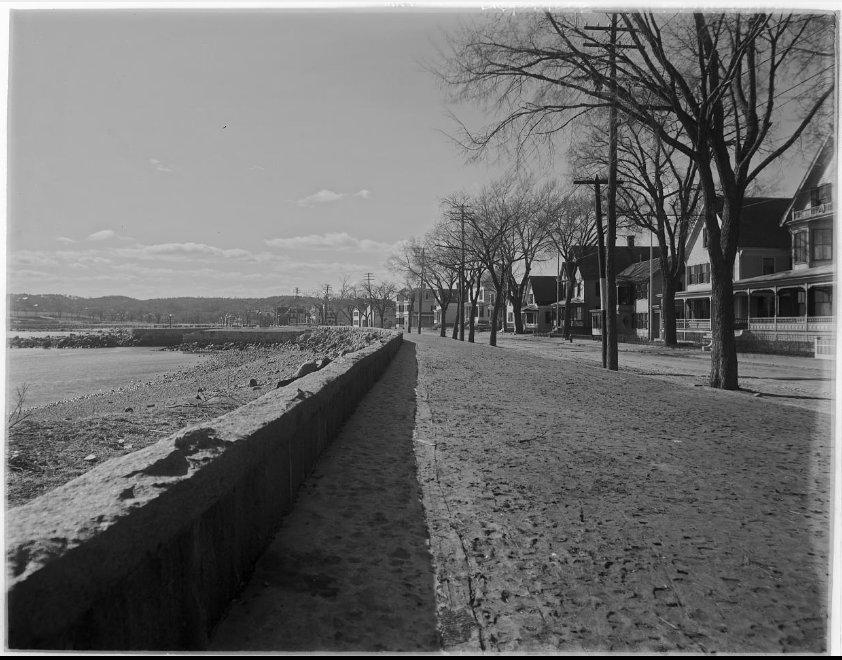 1908 Thomas Warren Sears looking west along the seawall