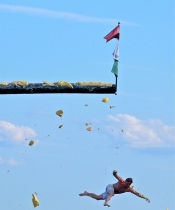 Saturday Greasy Pole 2017 -87 copyright Kim Smith