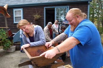 Apple Cider Pressing Party Duckworths Murdock -3 copyright Kim Smith