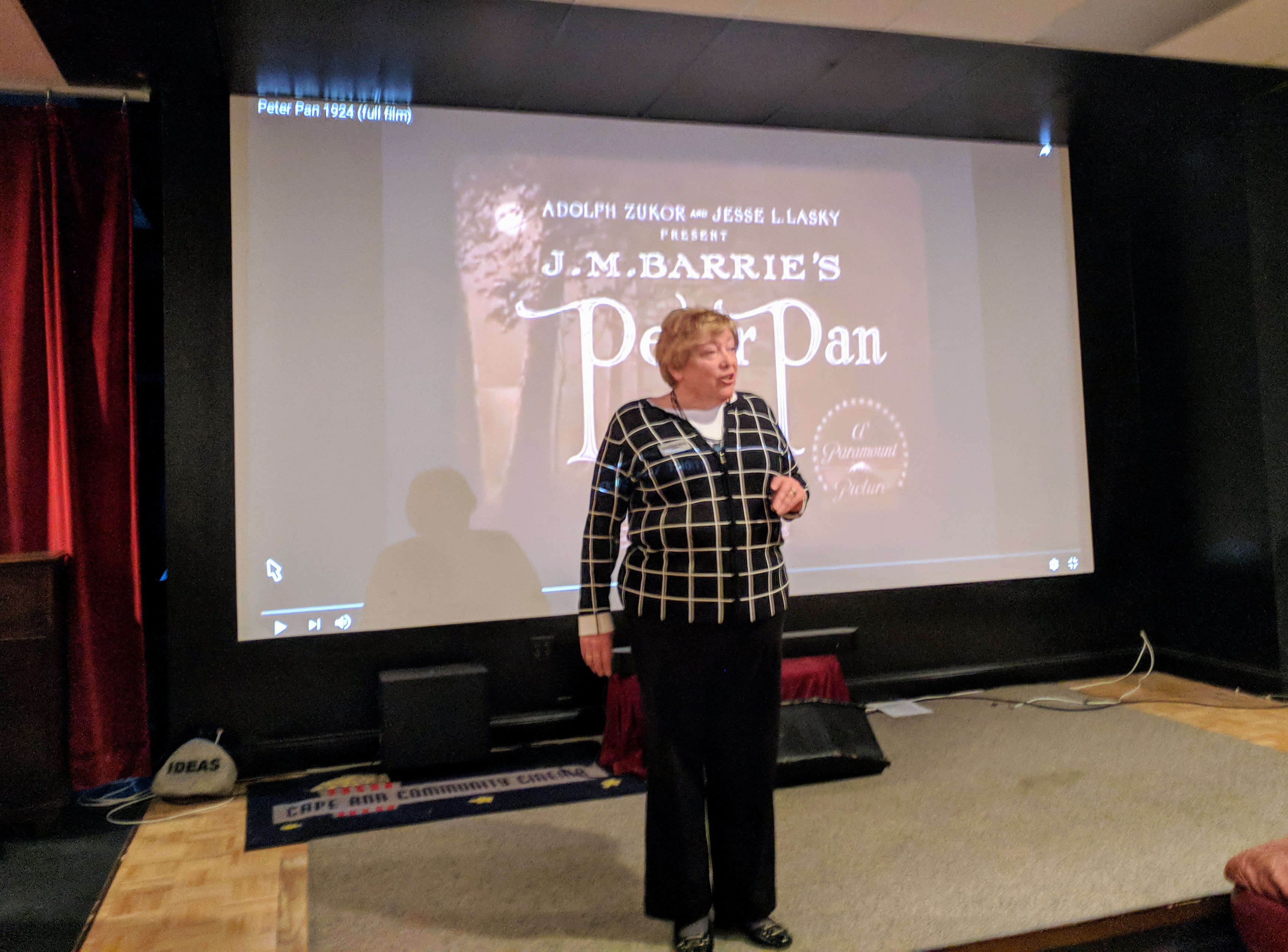 ELLEN SIBLEY intro -Peter Krasinski with Lindsay Crouse accompanying silent film Peter Pan at Gloucester Cinema & Stage, a Gloucester Meetinghouse benefit Pathways for Children 20171203