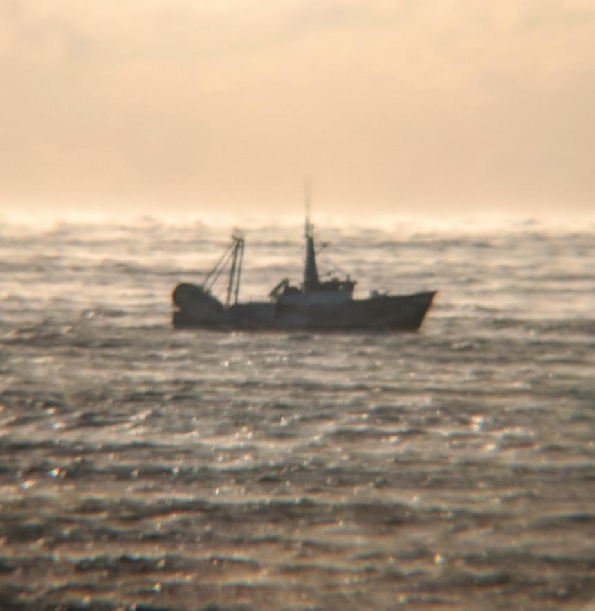 fishing boat off GloucesterMA sea smoke frigid morning_20180106_
