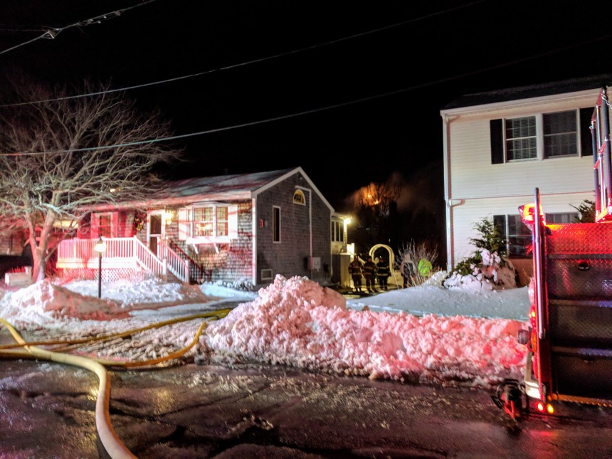 GLOUCESTER MA HOUSE FIRE LONG BEACH ROAD IMG_20180108_195053 © cryan