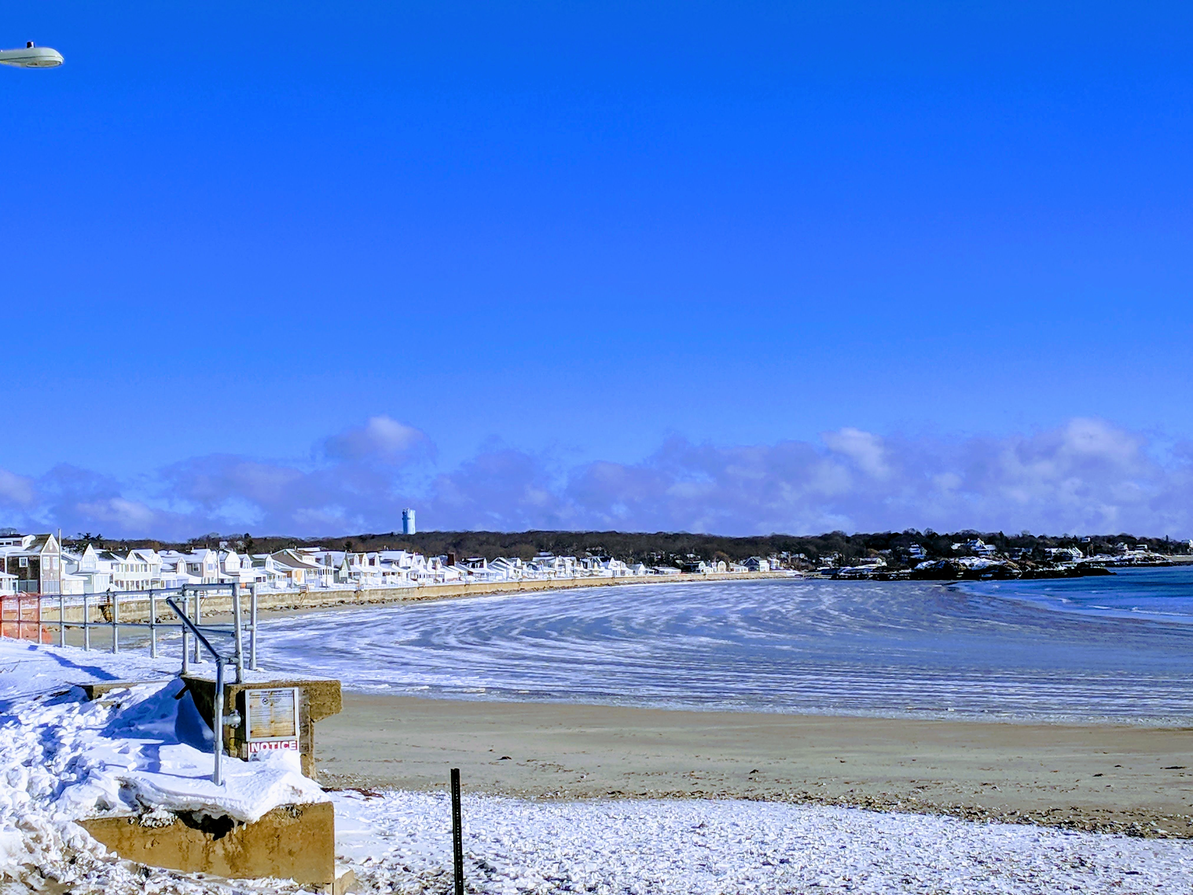 Long Beach with arch of thin layer of ice low tide IMG_20180107_092723