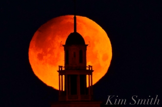 Super Blue Blood Moon Over Gloucester UU Church January 31, 2018 -1 copyright Kim Smith