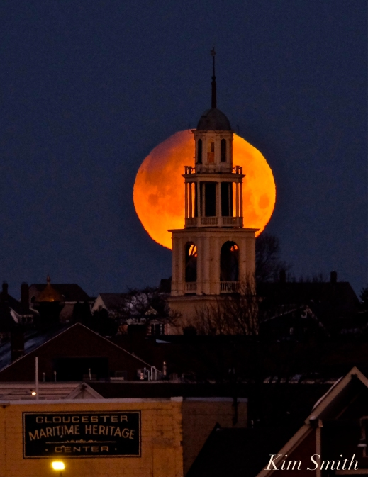 Super Blue Blood Moon Over Gloucester UU Church January 31, 2018 -2 copyright Kim Smith