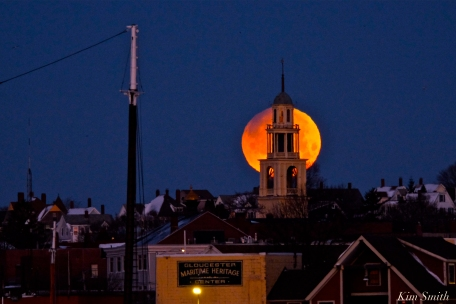 Super Blue Blood Moon Over Gloucester UU Church January 31, 2018 -3 copyright Kim Smith
