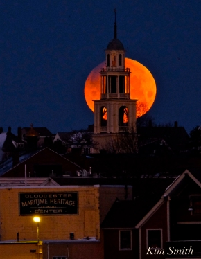 Super Blue Blood Moon Over Gloucester UU Church January 31, 2018 -4 copyright Kim Smith