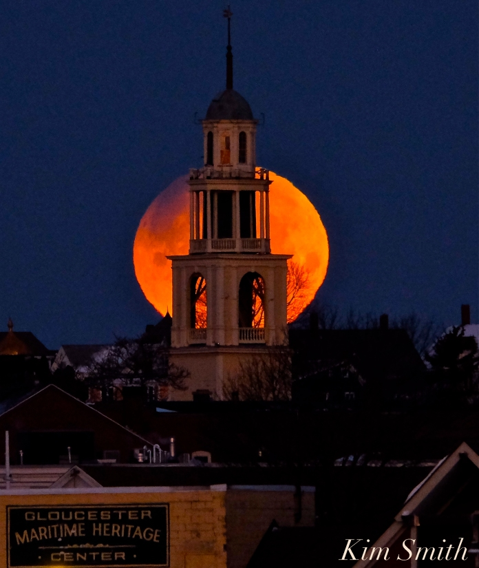 Super Blue Blood Moon Over Gloucester UU Church January 31, 2018 -6 copyright Kim Smith