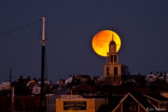 Super Blue Blood Moon Over Gloucester UU Church Maritime Gloucester January 31, 2018 copyright Kim Smith