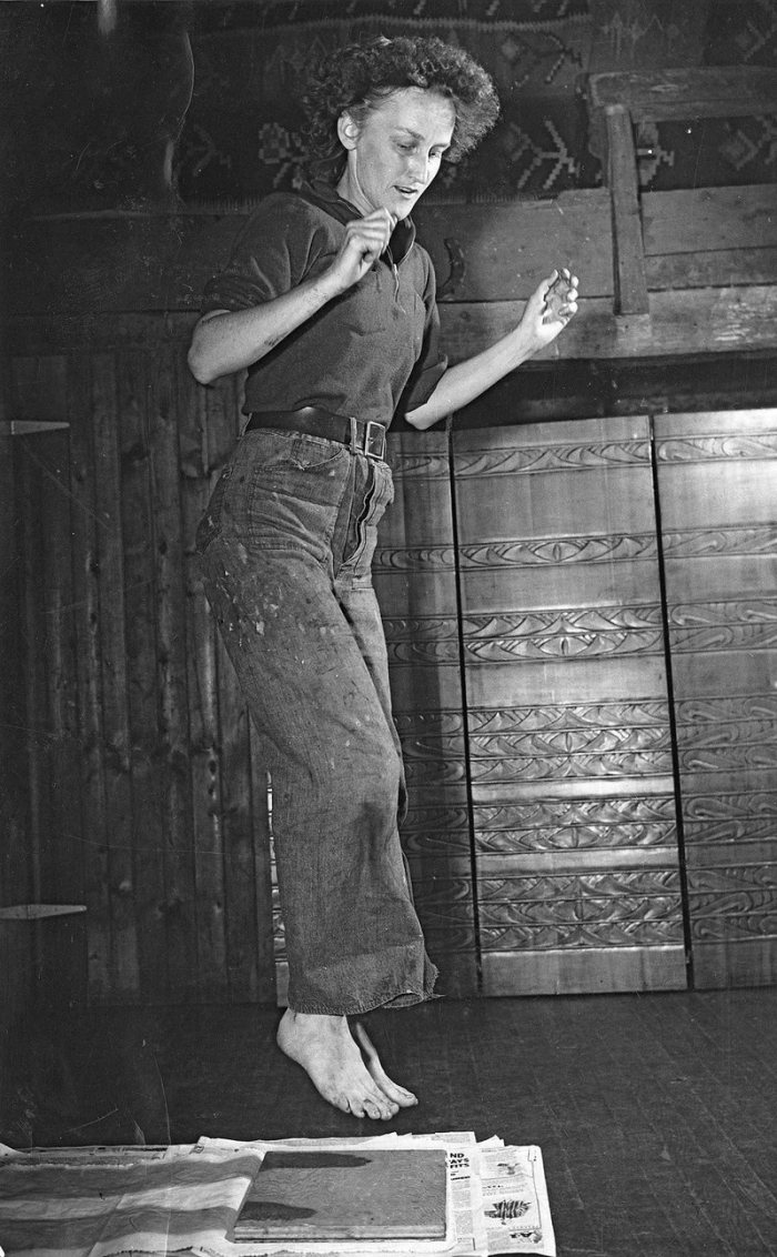 ©Cape Ann Museum photo Aino Clarke Jumping on block to print lino