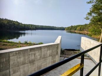 2018 July 2 Haskells Pond Dam reconstruction Gloucester Massachusetts Department of Public Works directing SumCo_ photograph ©c ryan (9)