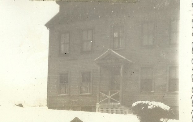 PHOTO COURTESY DAVID COLLINS_ 12 Stage Fort Avenue ca1947_razed_shared for Byron Brooks artist catalogue_Gloucester MA