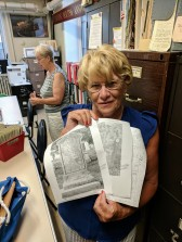 Sandy_long time volunteer_Gloucester Archives City Hall Gloucester Mass_cemeteries among many areas of her interest and knowledge specialization_20180828_©Catherine Ryan (1)