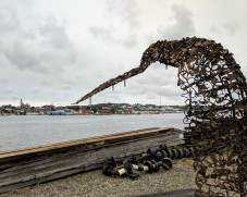 DEBORAH REDWOOD Goetemann Artist Residency Rocky Neck_2018 Sept 28_environmental installation artist_sculpture in progress fluke whale tail on site Ocean Alliance Gloucester MA©catherin