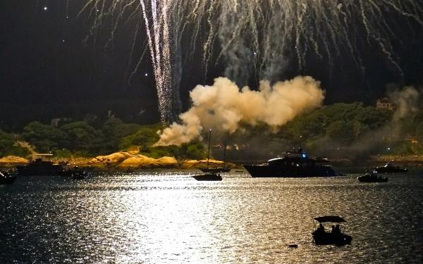 Gloucester Schooner Festival Fireworks Labor Day copyright Kim Smith - 27