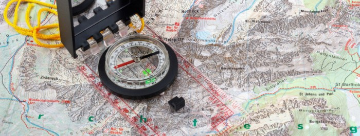 how-to-use-a-compass-and-map-820x312