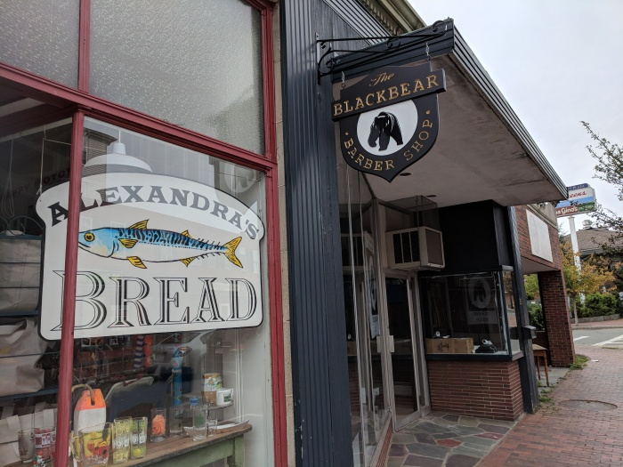 The blackbear barber shop 261 Main Street Gloucester MA_20180909_signs storefronts ©c ryan.jpg
