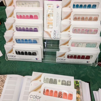 Amy Newell color street nails_ booth at Magnolia sip n stroll October 2018 fair _20181012_© Catherine Ryan (2)