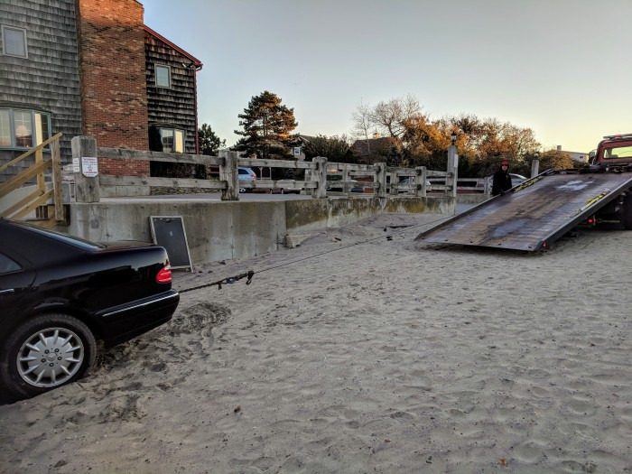 Beached car_Tally's sunset tow_20181021_©c ryan (1)