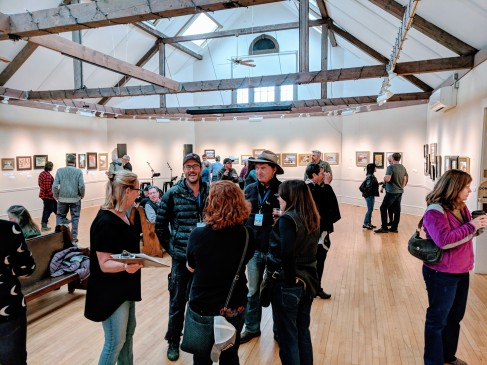 Cape Ann Plein Air Quick Draw crowd 2018 at Rockport Art Assoc Museum _20181014_© Catherine Ryan (1)