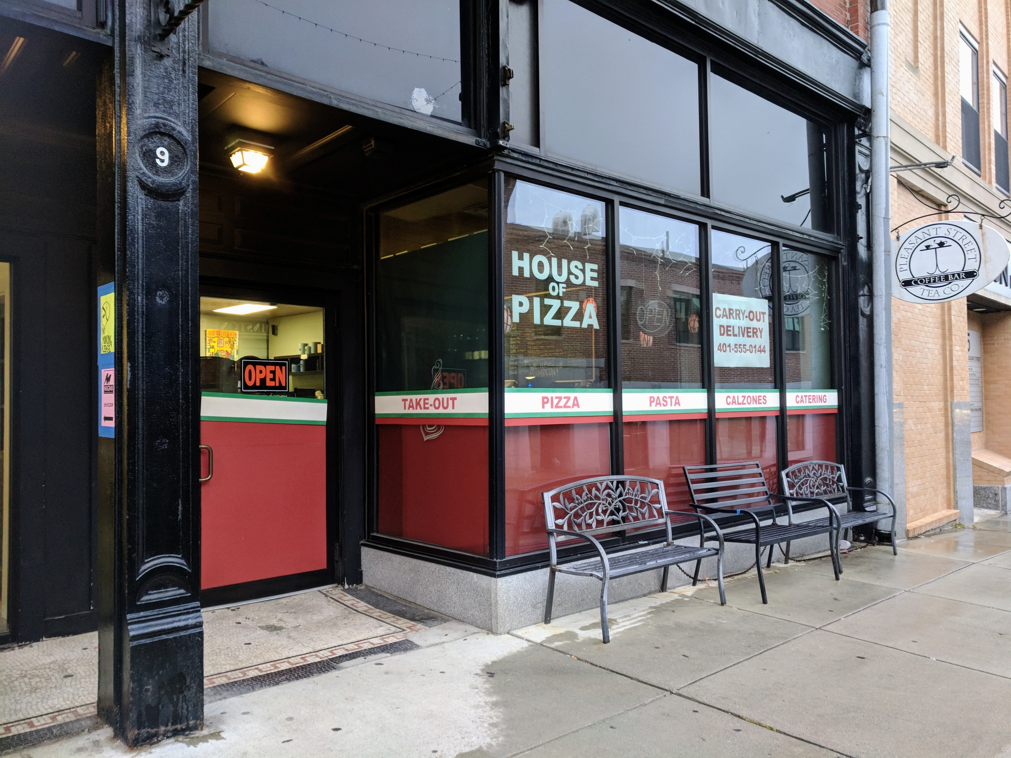 magic of movies_downtown mainstay Pleasant Tea sports a  temporary pizza joint facade ©c ryan.jpg