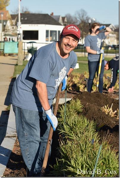 2018 11 7 Gen Gardeners Replanting Tulips 039