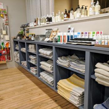BEST linen towels_goodlinens studio and homegoods_Main Street_Gloucester MA _20181115_©c ryan