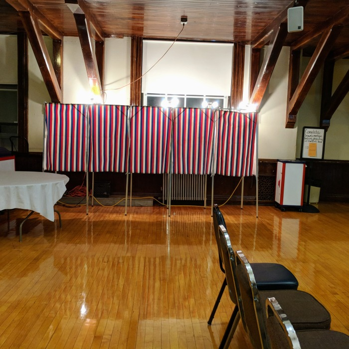Early voting Gloucester MA_City Hall_20181030_©c ryan.jpg