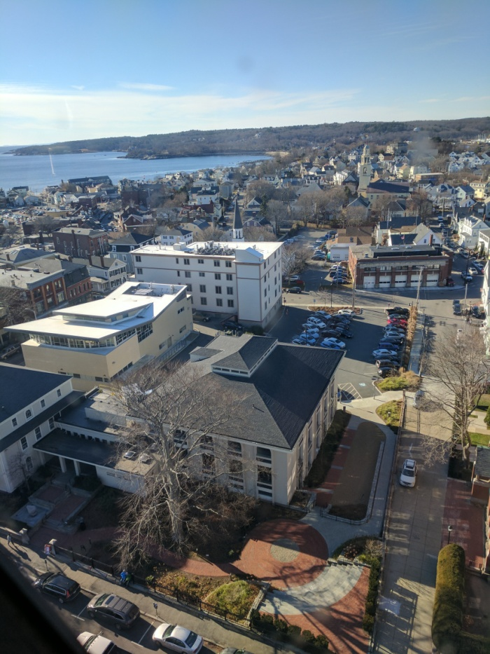 Looking to Gloucester Harbor Temple Ahavat Achim_ Library_Dale_Middle Street_ UU and more_20161210_ aerial from Gloucester Ma City Hall © Catherine Ryan