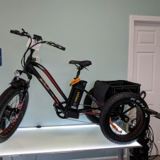 Cape Ann Electric Bikes_buy or rent_20181215_trailers of all types available© c ryan (5)