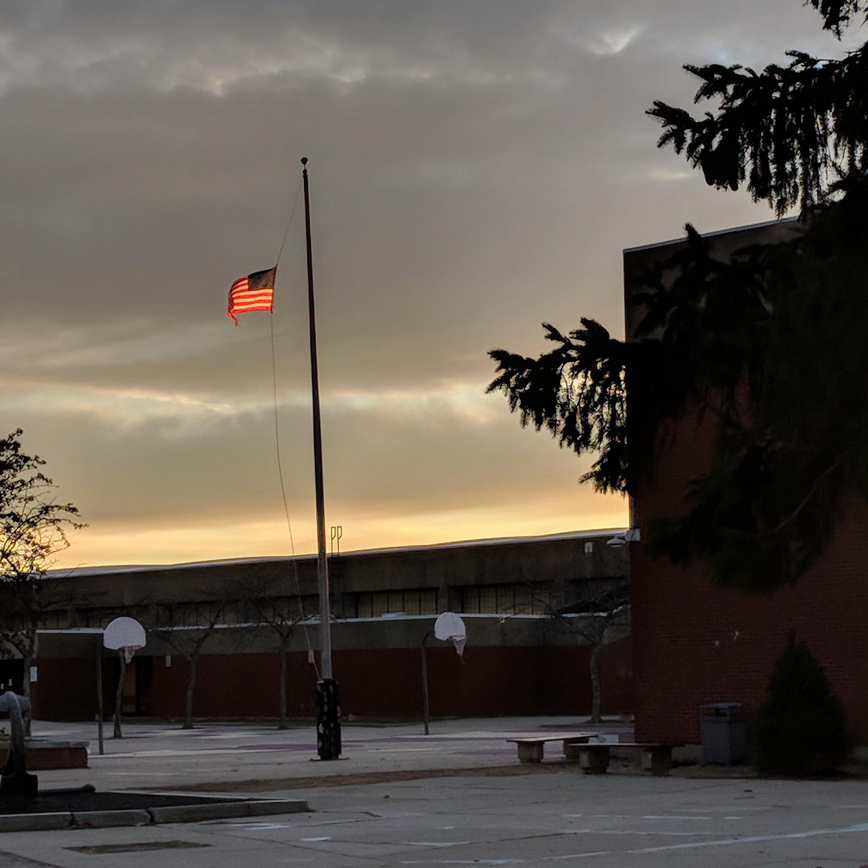 OMaley flag_winter light_20181129_©c ryan