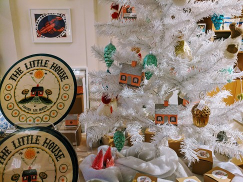 Cape Ann Museum gift shop_Virginia Lee Burton exhibition winter 2018 2019 themed gifts_like puzzle and ornaments_20181130_©c ryan