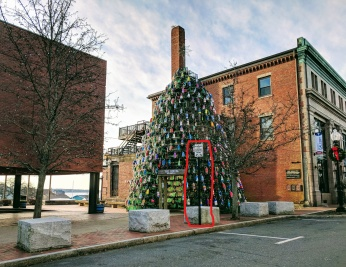 Lobster Trap Tree_snapshot lament_paint the parking sign instructions on the street and or scooch over to tree_20181209_©c ryan