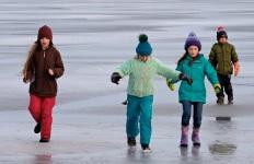ice sailing niles pond copyright kim smith - 09