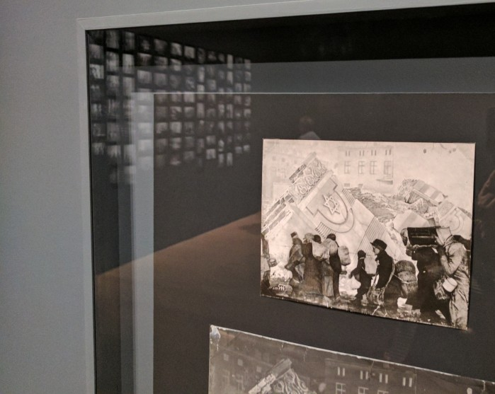 photojournalism_past destruction installation view_ 20170427_lodz ghetto photographs of henryk ross collection holocaust photos at museum of fine arts boston_ © catherine ryan
