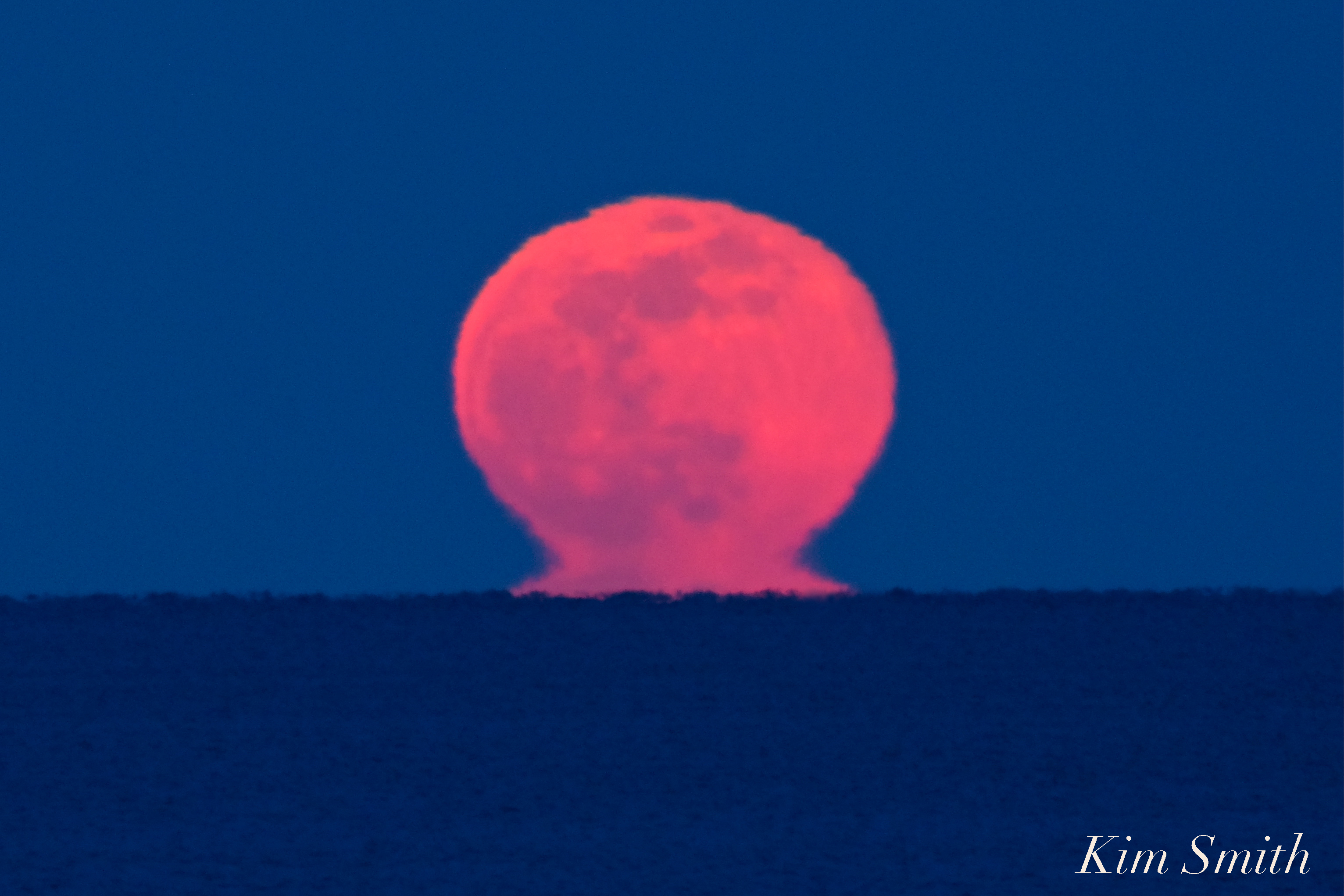 A MAGICAL MIRAGE CALLED AN 'OMEGA' MOONRISE – Good Morning