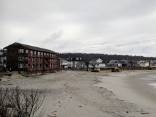 SCALE heavy equipment_Long Beach_ Cape Ann Motor Inn_walkway winter 2019 repairs on beach side_20190208_Gloucester Rockport Mass© Catherine Ryan (4)