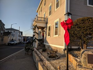 street light lamp Gloucester MA_20181214_©catherine ryan