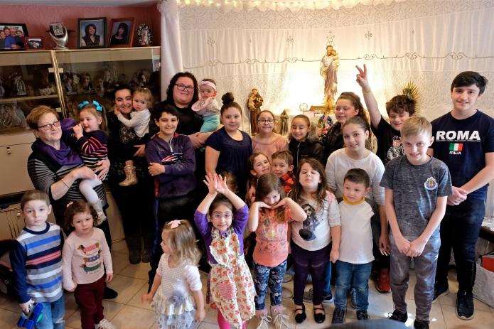 St. Joseph Pasa Making w Kids Groppos copyright Kim Smith - 54