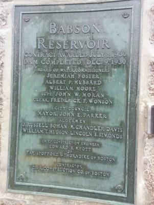 20160810_1931 bronze plaque babson reservoir