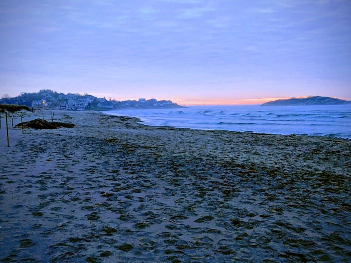 Good Harbor Beach_20190414_pre dawn blue light_Gloucester MA © photograph copyright C. Ryan (3)