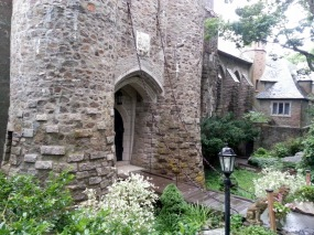 Hammond Castle drawbridge_20160710_photograph copyright catherine ryan