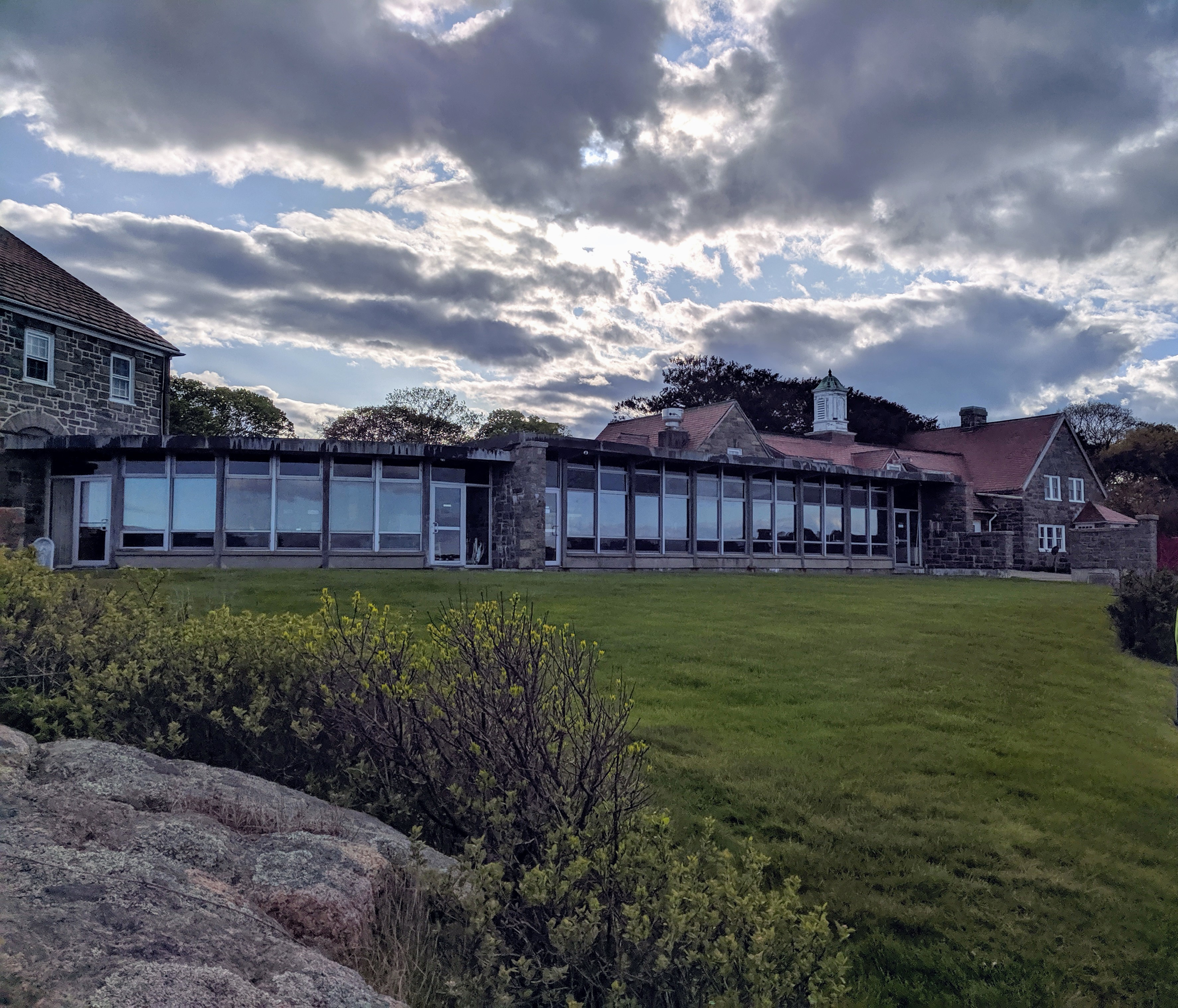 New construction circa 2017 subsumes some of Donald J Monell architecture_Eastern Point Retreat_Gloucester Massachusetts_20190521_© c ryan (7)
