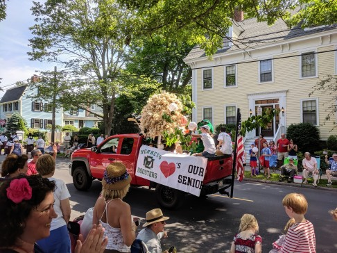 award winning booster float_Manchester hornets nest_Manchester by the sea 4th of July parade 2019_©c ryan (8)
