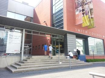 Smith College Museum of Art entrance 20160830_©c ryan