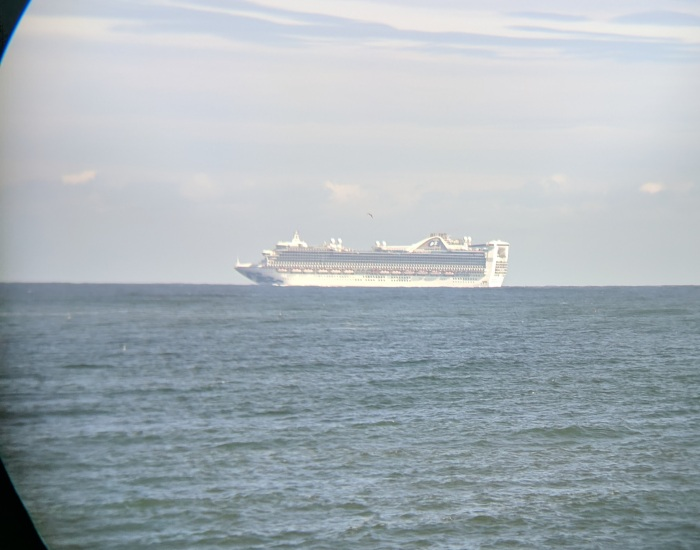 cruiseship off shore near Thacher _20190907_©c ryan.jpg