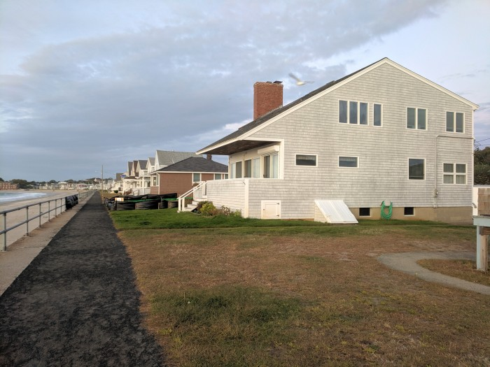 temporary barrier at 88 Long Beach front row cottage property_ former structure cleared_October 7 2019 photograph©c ryan