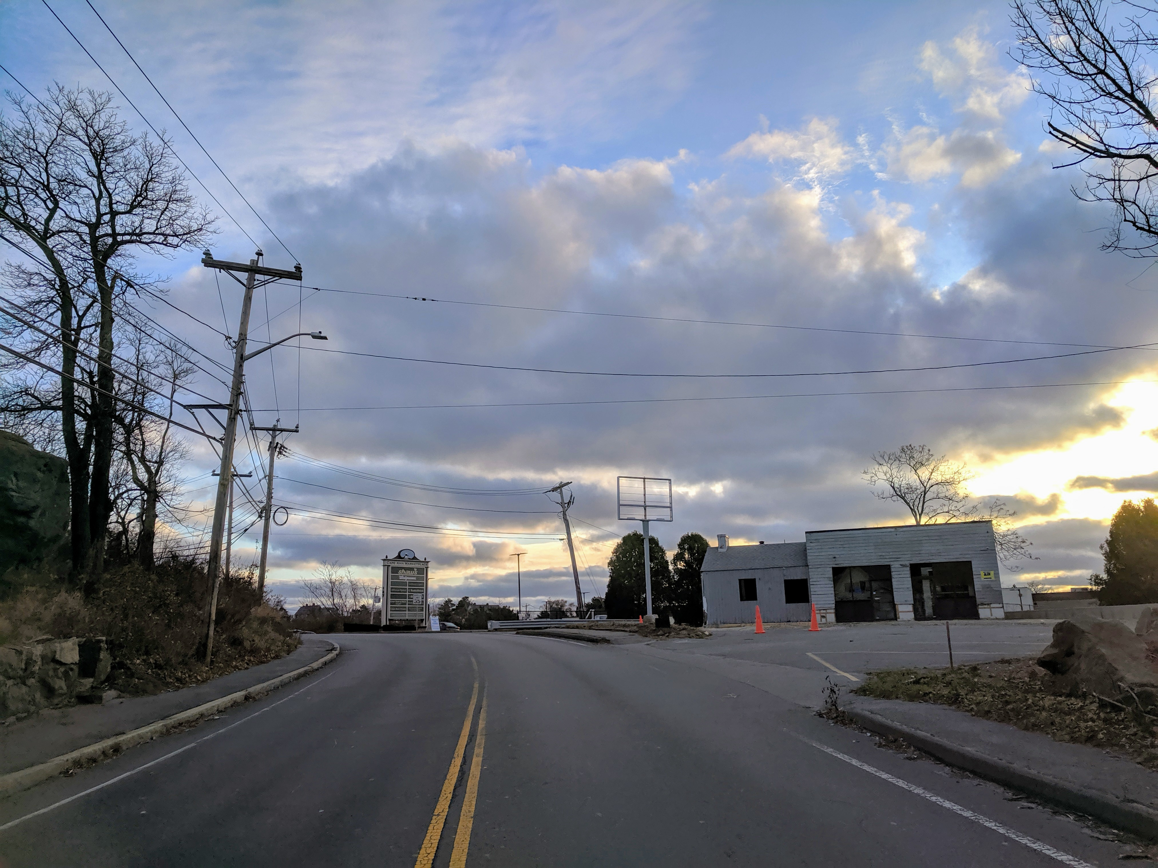 Enterprise coming to 123 Eastern Avenue former Gulf station Rt 127 Gloucester Mass._20191117_©c ryan