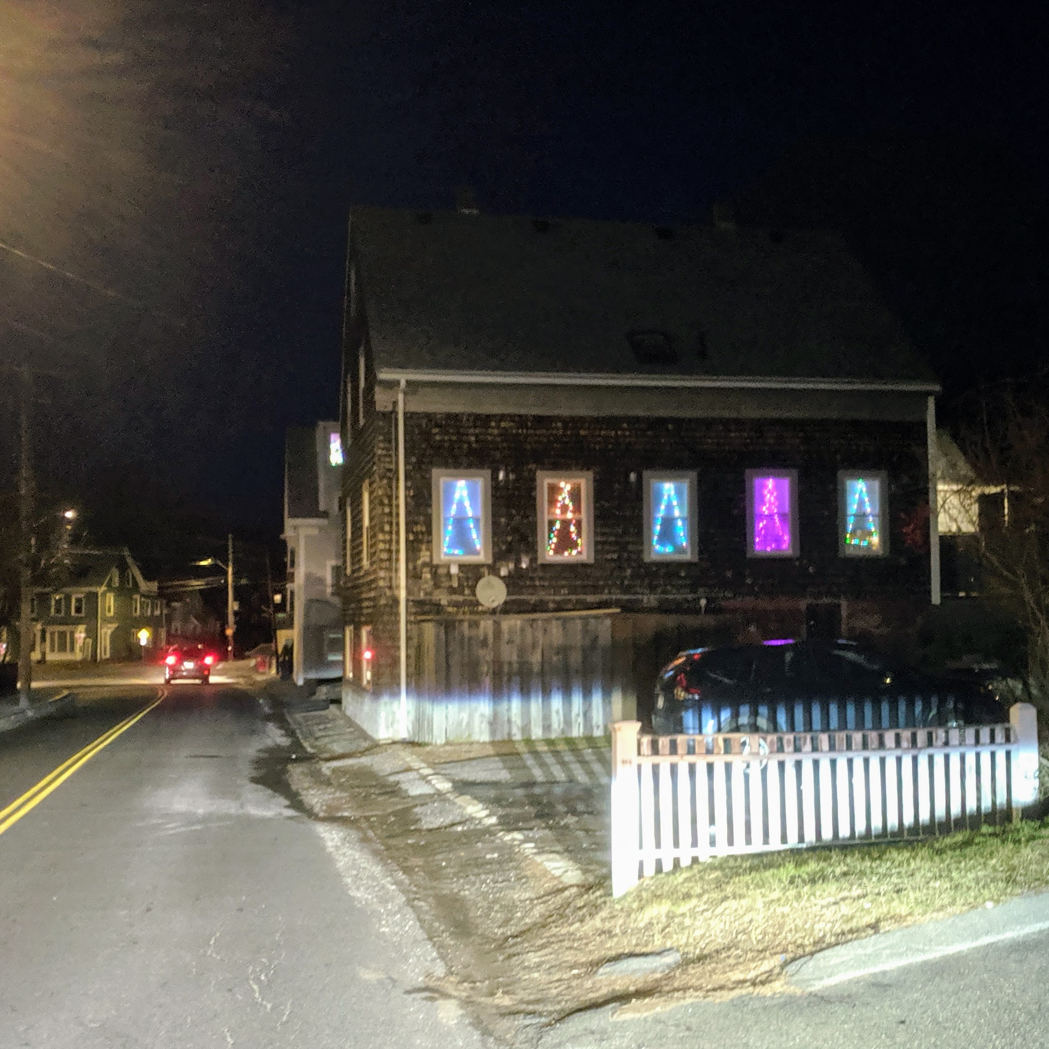 Holiday lights decorated homes_ Christmas 2019 Gloucester Mass_20191210_©c ryan (7)